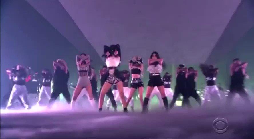 THE PRETTY SAVAGE DANCE BREAK. That's the tweet!   #BLACKPINKxCORDEN #PURRR @BLACKPINK