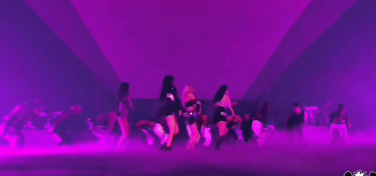 THE CHOREO CHANGE AGAIN ANG AGAIN LIVES IN MY MIND RENT FREE OMAYGHOD THEY REALLY SLAYED THIS IS TIME I EDITED IT  😭😭😭  PRETTY SAVAGE ON CORDEN #BLACKPINKxCORDEN #PURRR @BLACKPINK