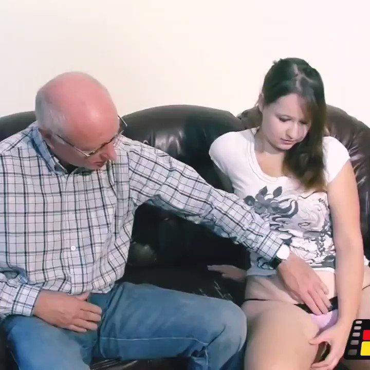 Ümraniye escort suriyeli türbanlı kadına sakso çektirip sevgilisine filme aldırıyor