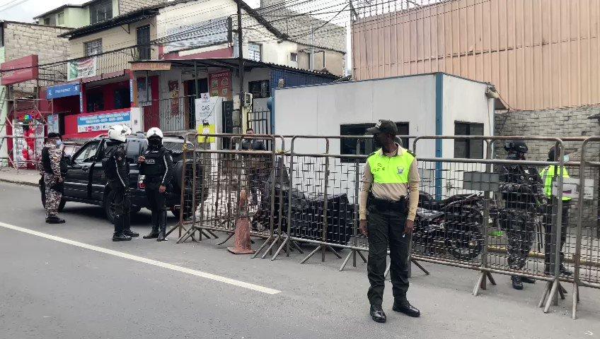 🔊 | Daniel Salcedo será llevado a la cárcel de Latacunga luego de aparecer en un video grabado en prisión. - SNAI confirmó que Salcedo y otros dos internos serán trasladados a distintos centros penitenciarios. - Más detalles en 💻