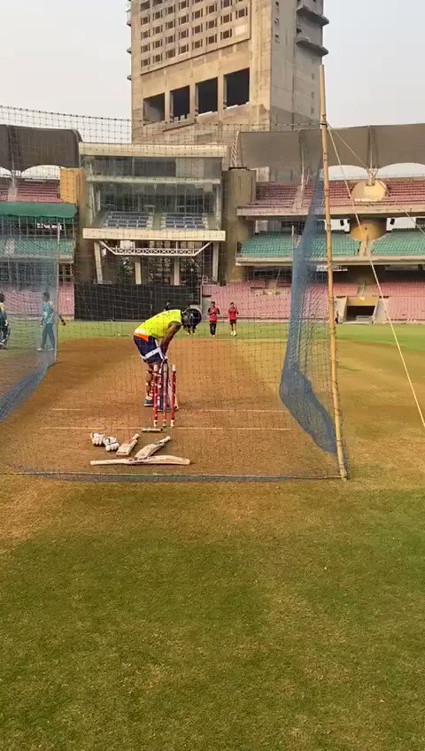 When you try to bowl a Yorker and he does this @surya_14kumar  SERIOUS BATSMEN THIS !!  So tough to bowl to !!  Genius 🔥
