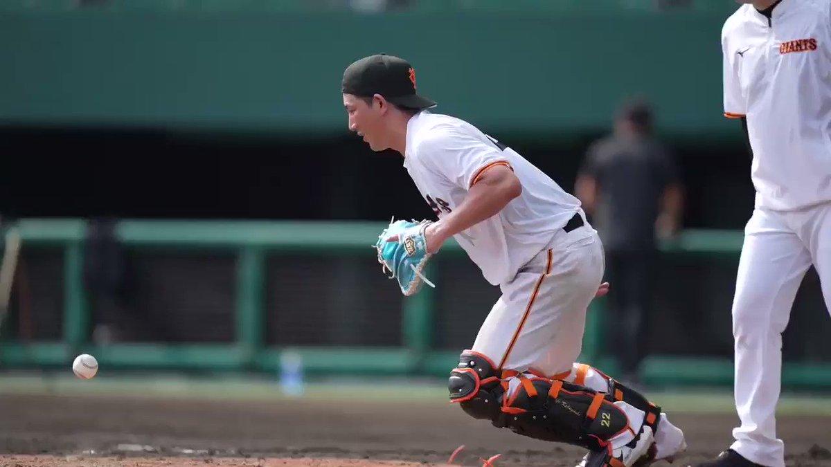 【巨人春季キャンプS班】#小林誠司 選手の居残り特守です。#ジャイアンツ#野球