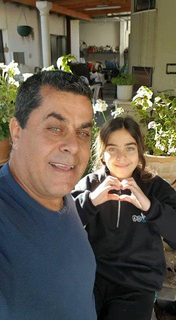 مواطن عربي اسرائيلي يعبر عن حبه لدولته #اسرائيل  …