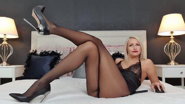 Model - Annelyce domina