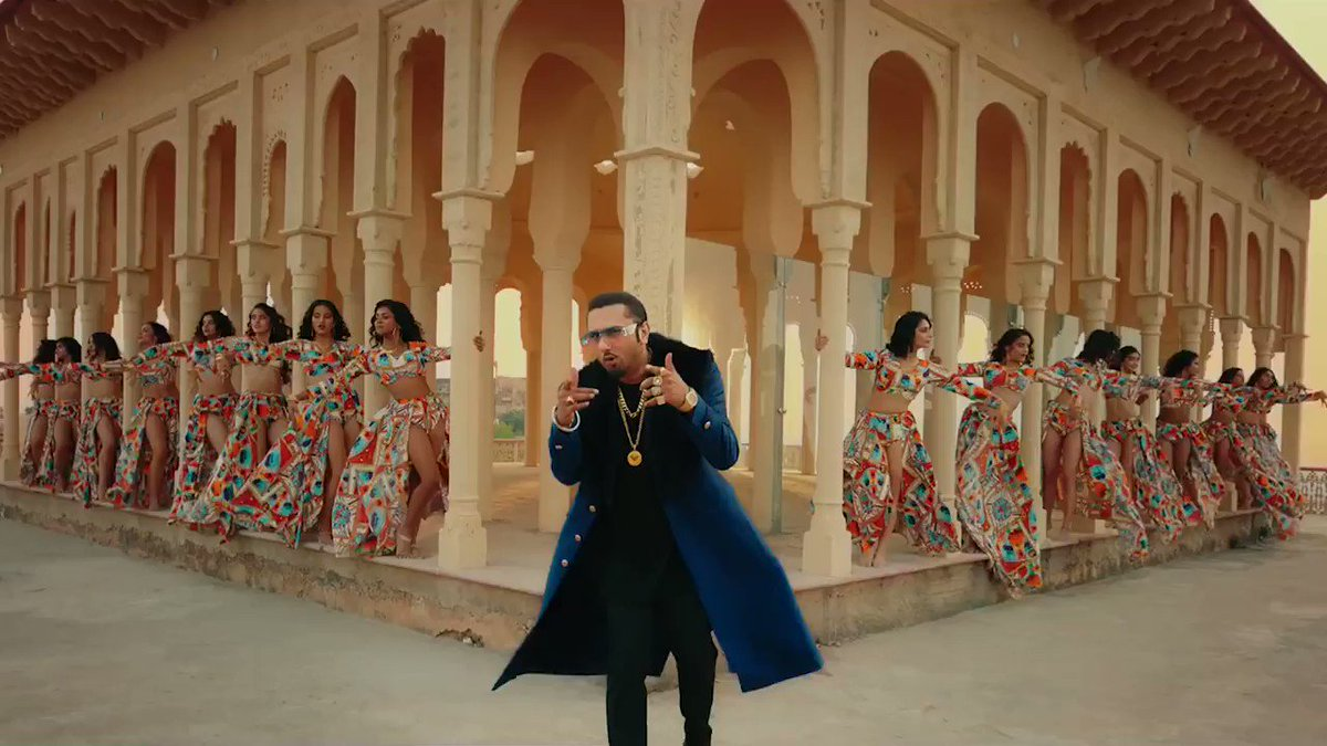 5 tracks trending on #worldcharts  Blue Eyes crossed 400 Million views and trending along with #SaiyaanJi at more than 80 Million  #JingleBell at more than 44 Million  #FirstKiss at more than 128 Million  #CareNiKarda at more than 186 Million #YoYoHoneySingh