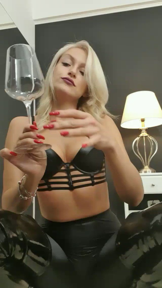 Model - Annelyce mindfuck