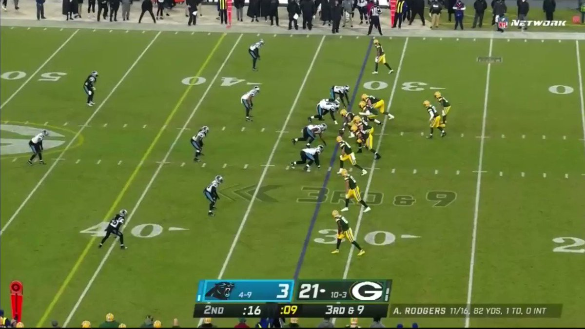 For the second year in a row, Aaron Rodgers' receivers lost the most yards in the league to drops: 552 yards.  That was more than 100 yards than second-placed Patrick Mahomes who threw 97 more passes than him. https://t.co/VuCqIo0ydn