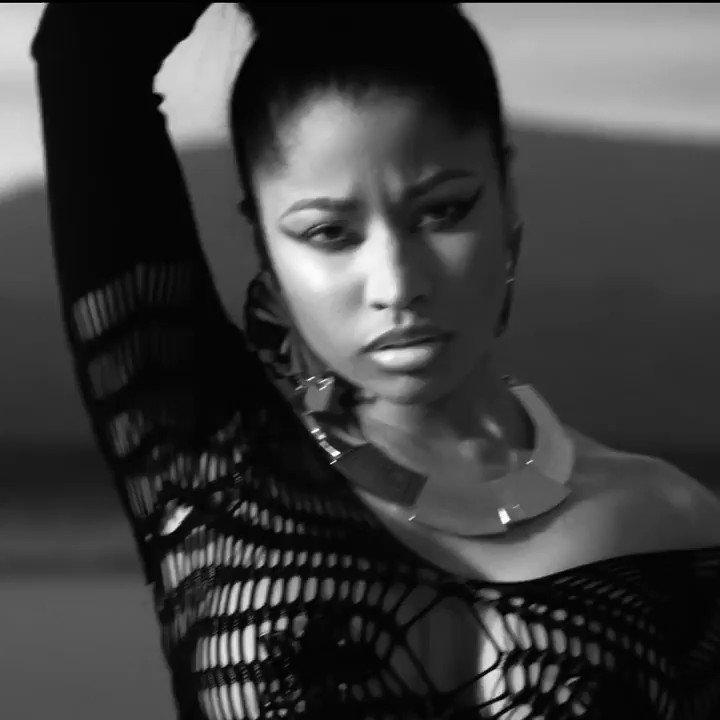 Replying to @ifsnicki: 7 years ago, nicki minaj had her foot on the male species neck.