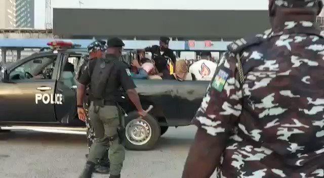 Ladies & Gentlemen let the world know that protesting peacefully is now a crime in Lagos State Nigeria  #Lekkitollgate #EndSARS #EndBadGovernanceInNigeria