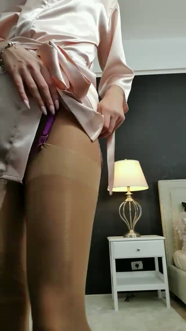 Model - Annelyce hypnosis