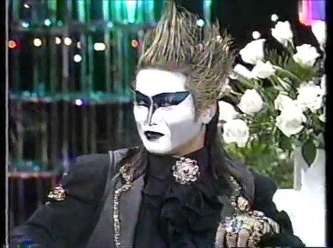 デーモン閣下は東宝主催のゴジラの鳴き真似コンテストで優勝したことがある   #特撮で自分が知ってる知識を一つ挙げろ
