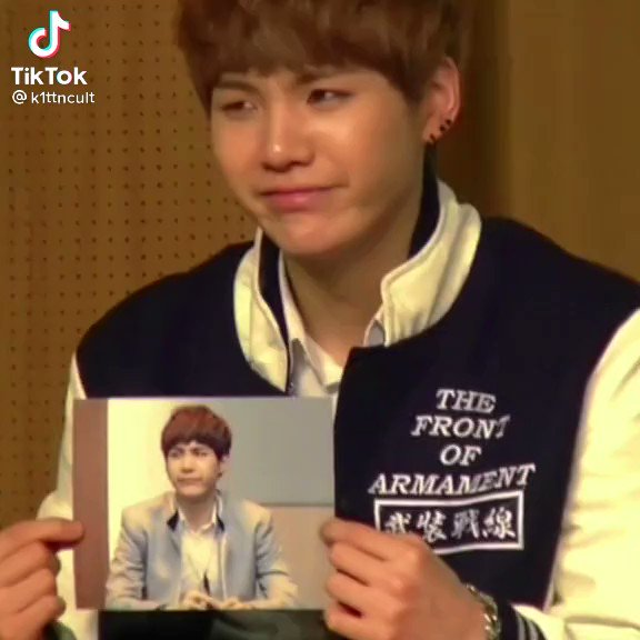Replying to @yoongorgeous: YOONGI trying to copy his own pic and then getting shy , laughing ? OMG PLEASE THIS IS SO SOFT