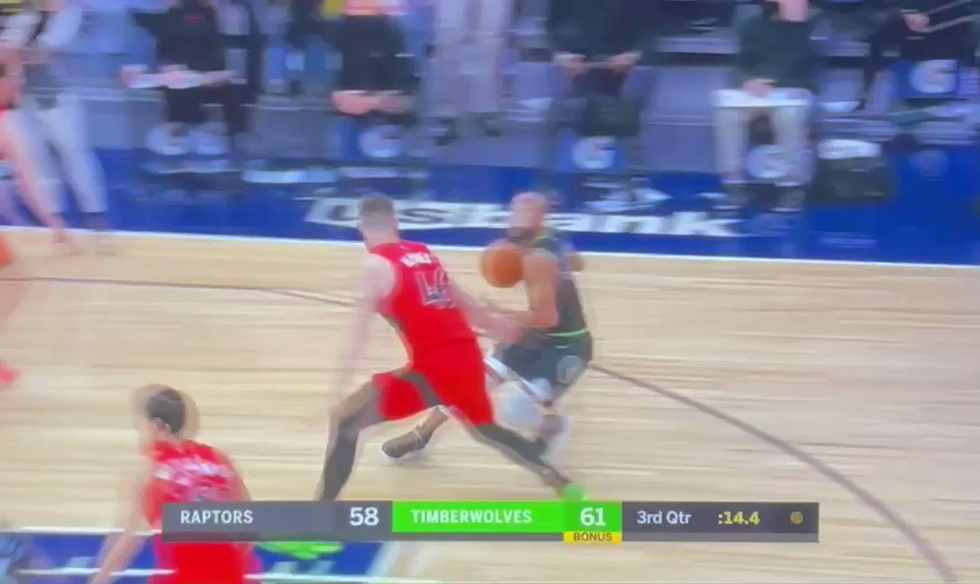 ANTHONY EDWARDS JUST CAUGHT A BODY  https://t.co/a1QcxWYqGu