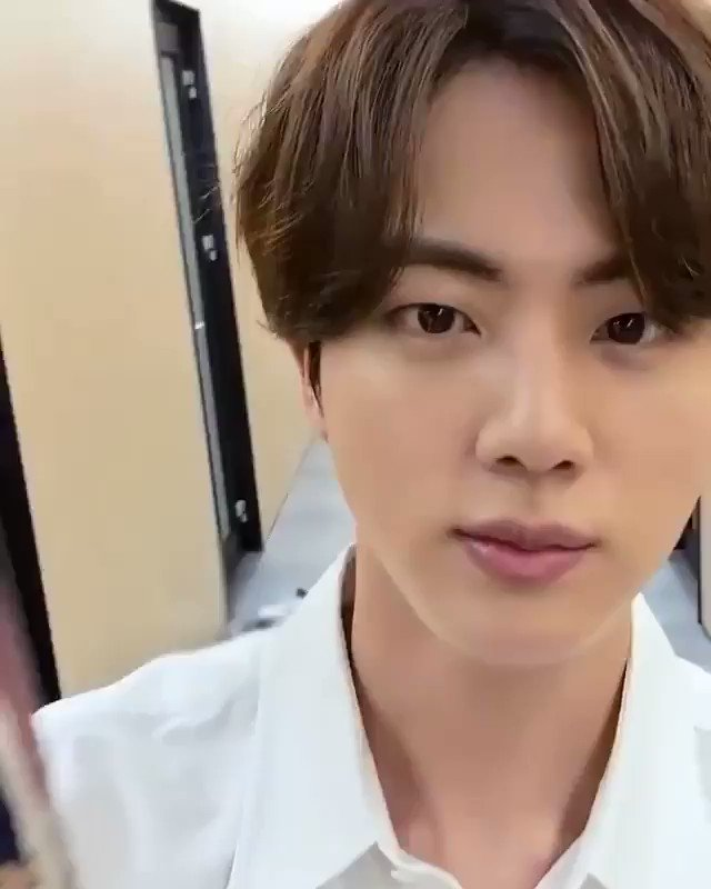 Sorry we can't come to the phone rn, still on our video call with Jin   #LifeGoesOn #Seokjin #Jin #BTS   #잠시도_두눈을_감을수없는_영통 @BTS_twt