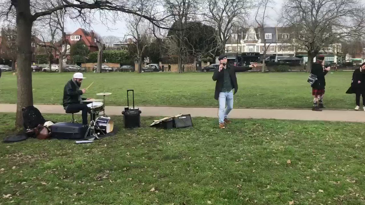 ⁦@JamForFreedomUK⁩ playing in Turnham Green now! #musicformentalhealth #LetLondonLive 👯‍♂️🤸‍♀️🎶😎💃🏻 https://t.co/bCZeN5hzJQ