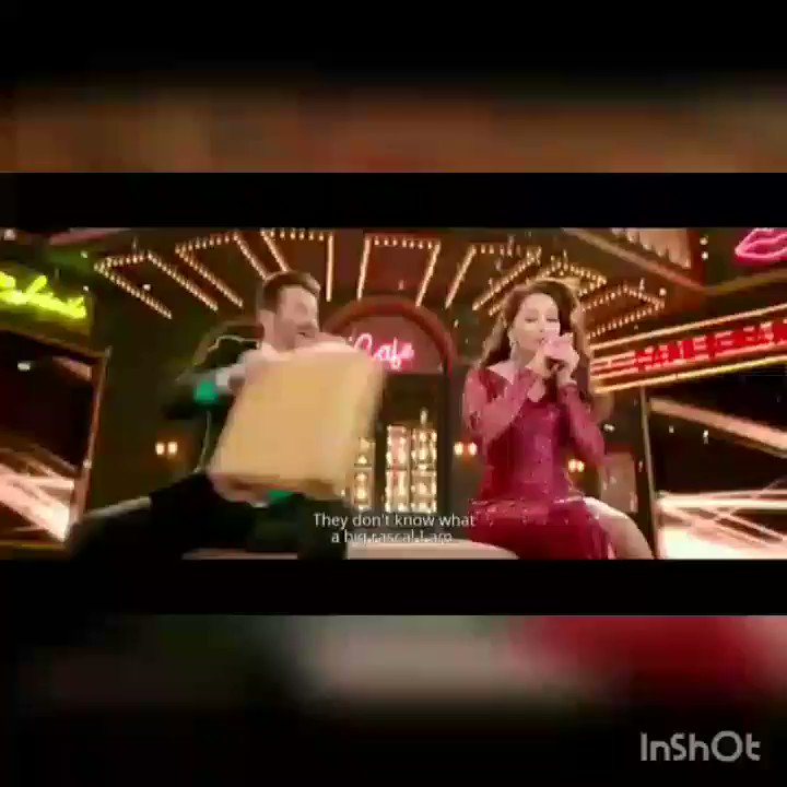 Wohho 🎉💃 Congratulations Dear @MadhuriDixit Ma'am  and @AnilKapoor Sir  #2YearsOfTotalDhamaal 🤗 Love you both ♥😍 #MadNil Forever ✨