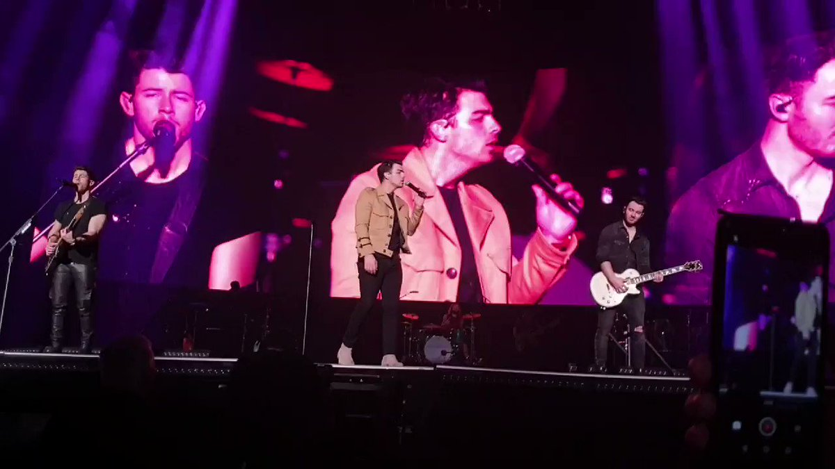 I can't believe it's been a year since the #HappinessBeginsTour ended in Paris. It was the most emotional and special concert I ever went to.. I probably cried more than Joe.. I miss the boys and concerts more than anything @jonasbrothers @nickjonas @kevinjonas @joejonas