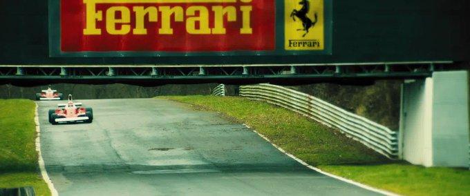 Carlos Sainz ngomong gini ga ya ke mekanik Ferrari sepanjang pramusim ini  Eniwei, Happy Birthday Niki Lauda.