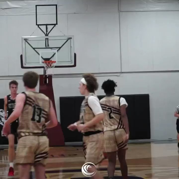 """2022 Jaden Penberthy (Hart) 6'6"""" has added great size in the time off. One of the most well rounded basketball players I've been able to coach. Complete winner. No brainer Division 1 player @wceua @RyanSilver1 https://t.co/QYCXQYVpbV"""