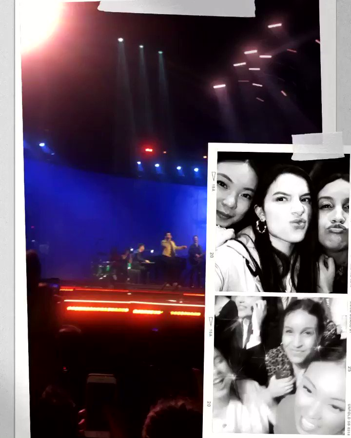 1 year since the last time at our happy place, living our 10 year old dream😔 #HappinessBeginsTour @BarbGrm @bonjouruel @jonasbrothers @kevinjonas @nickjonas @joejonas