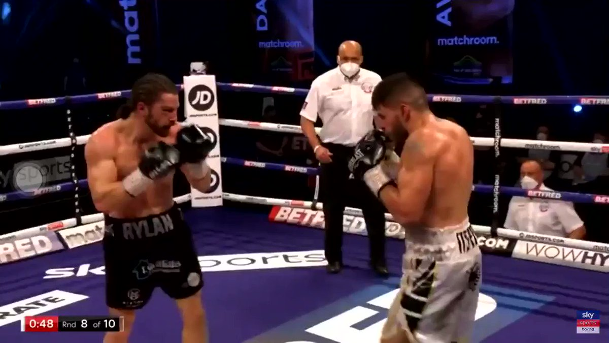 @FlorianMarku92 TKOs his  lastnight opponent, I knew it !! what i was taking about all week #People #MMATwitter #mmafighter #uk #Albania ❤️🇦🇱🇬🇧✊🏽☝🏽🔥#TKO #UnitedKingdom #sports #NexGeneration #Boxing #UkBoxing #share #Video #Trending #TrendingNow #2018自分が選ぶ今年上半期の4枚