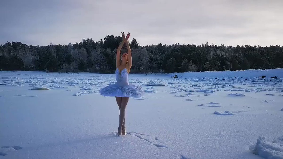 Ilmira Bagautdinova, a ballerina from St. Petersburg's renowned Mariinsky Theatre, has filmed herself dancing on the ice of the Gulf of Finland in a move to save a local beach from development