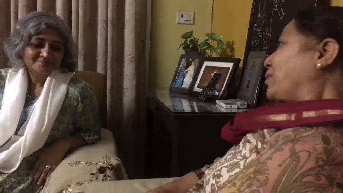 Sharing a short clip of conversation between Dalbir Kaur aunty mother of CAPTAIN DAVINDER SINGH JASS 1 PARA & @megirish2001 aunty mother of MAJOR AKSHAY GIRISH 51 ENGINEERS  Both Captain Jass & Major Akshay have immortalized in J&K & today it's balidan diwas of Captain Jass.
