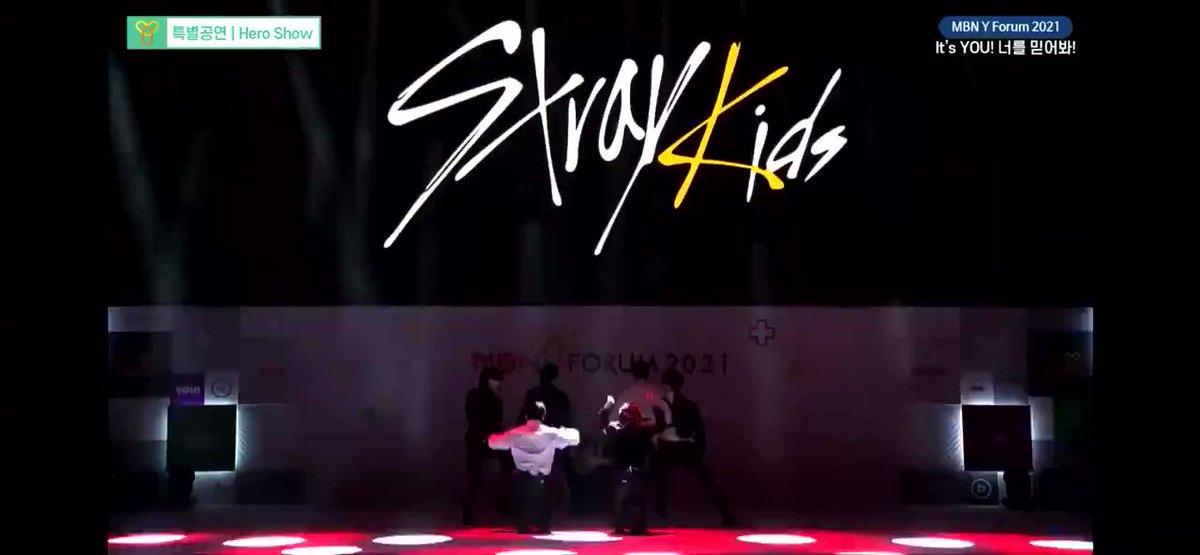 """📹  Presentación de  @Stray_Kids con """"God's Menu y Back Door"""" en el  MBN Y Forum 2021. (1)  #StrayKids #스트레이키즈"""