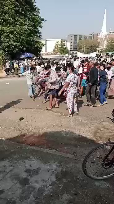 Hundreds of pro-military supporters are holding a big rally in downtown Yangon.  The police has removed barricades to allow for the rally. Some residents of the town responded to the rally by banging on pots & pans. One of the bystanders were beaten up by pro-military supporters.