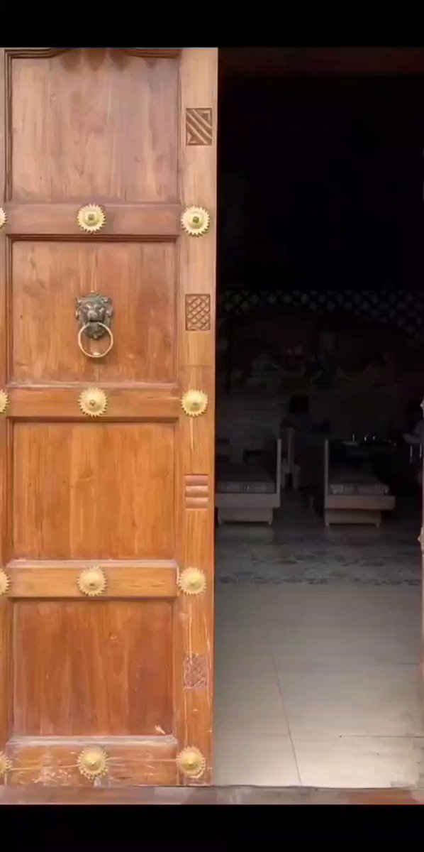 Rather than a western outfit ,marathi cindrella would always prefer a saree...  @RashmiAnpat  #rashmianpat #marathicelebrityofficial #marathibharari #marathiculture #marathmolalook #beauty #saree #ethinicstyle #ethinicfashion #smile #gorgeous #stunning_shots #fillamwala