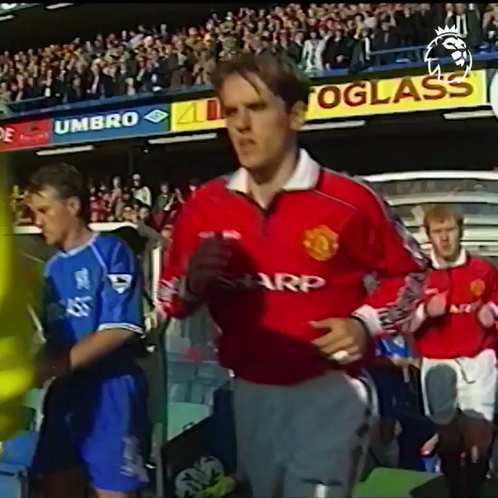 🏟 Stamford Bridge 📅 3 October 1999 Chelsea 🆚 Man Utd    Thanks to goals from Gus Poyet, Chris Sutton and Jody Morris, Chelsea secured a sweet 5-0 victory over Man Utd