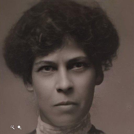 Image for the Tweet beginning: 😯 Louisa Roakes (1871-1942) via