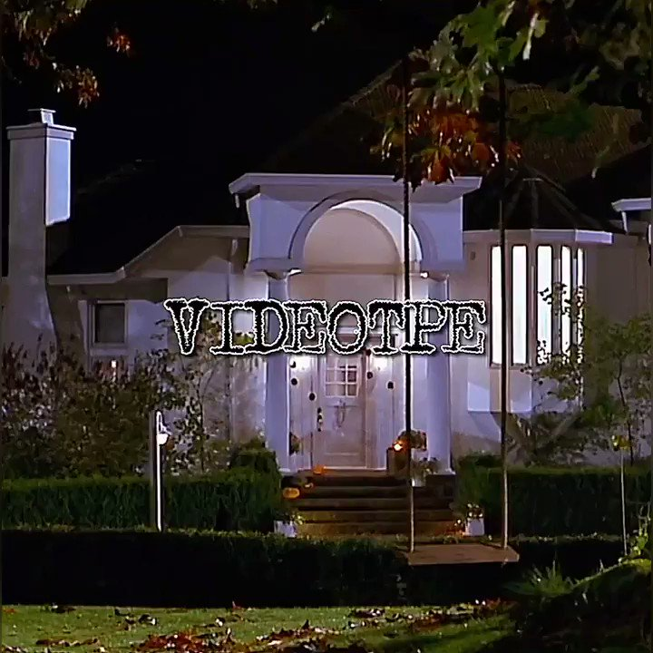 Replying to @VIDEOTPE: scary movie opening scene