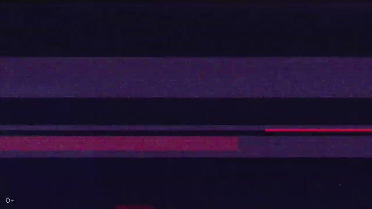 إستدعته الاستخبارات الروسية لدقائق، سلم لهم هاتفه دون الرقم السري، خرج بعد التحقيق سليماً معافى! شك بعد أيام أنهم يعرفون عنه كل شي! شك في هاتفه الآيفون لإنتهاء شحنه بسرعة! فتح غطاء الجهاز! إكتشف ان الـFSB غير حجم البطارية لواحده أصغر ودمج بها مايكروفون وخط هاتف! واسترقوا السمع!! https://t.co/ryJUmiT26k