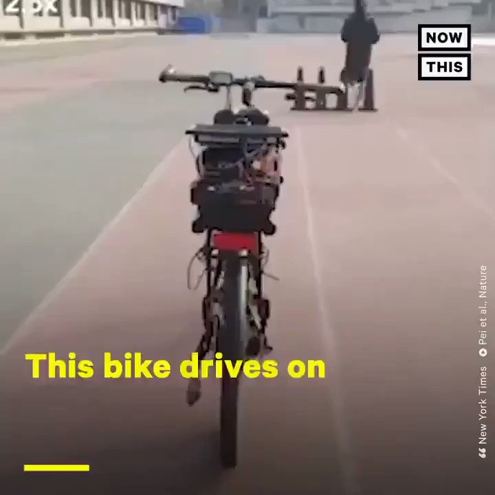 Image for the Tweet beginning: This bike drives on its
