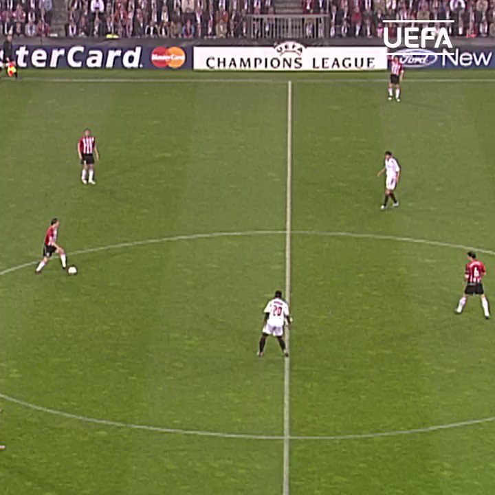 PSV時代の準決勝のゴールも印象的 😉 https://t.co/ZE4gIzmqCZ