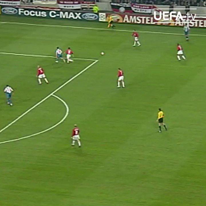 🇿🇦 17年前、マッカーシーの2ゴールでポルトがマンチェスター・ユナイテッドを撃破 🔥🐲  #UCL | @FCPorto https://t.co/LEBvKOD7sB