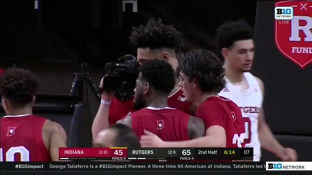 Some weirdness going on w/ the #iubb bench the final 5 minutes of the game last night. -Starts w/ Hunter visibly mad in the huddle -He's taken out at next FT & storms to the bench -You can see Arch pointing him to the locker room -Next time down, Marshall walking baseline w/ him