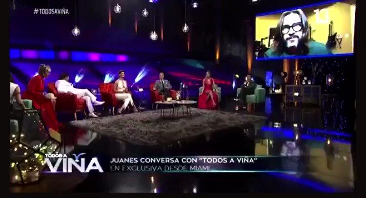 Viajamos en el Tiempo con este hermoso recuerdo de la 1era vez que @Juanes se presentó en @elfestivaldevina y tooodos tus fans Chilenos deseamos verte nuevamente en el escenario parce! #TeAmamosJuanes  @canal13cl @The3Collective @ThumbFighter_  @elfestival @franfaure @UMusicChile