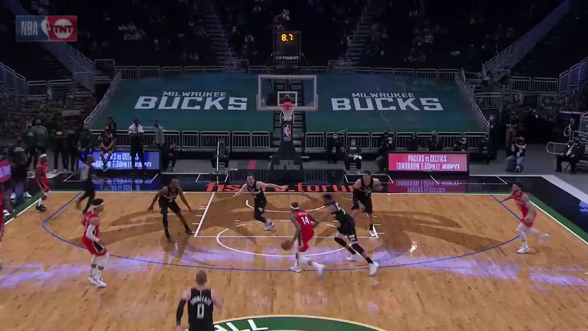 Donte DiVincenzo steps in to take the CLUTCH CHARGE!   @PelicansNBA 125 @Bucks 129  1.2 left on TNT