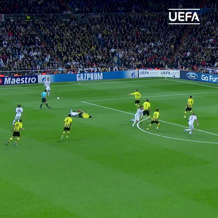 💪 Qué defensa... ¡Impresionante!  ¡Feliz cumpleaños, Pepe! 🎂🤍  @officialpepe | @realmadrid https://t.co/FtRvr45wfR