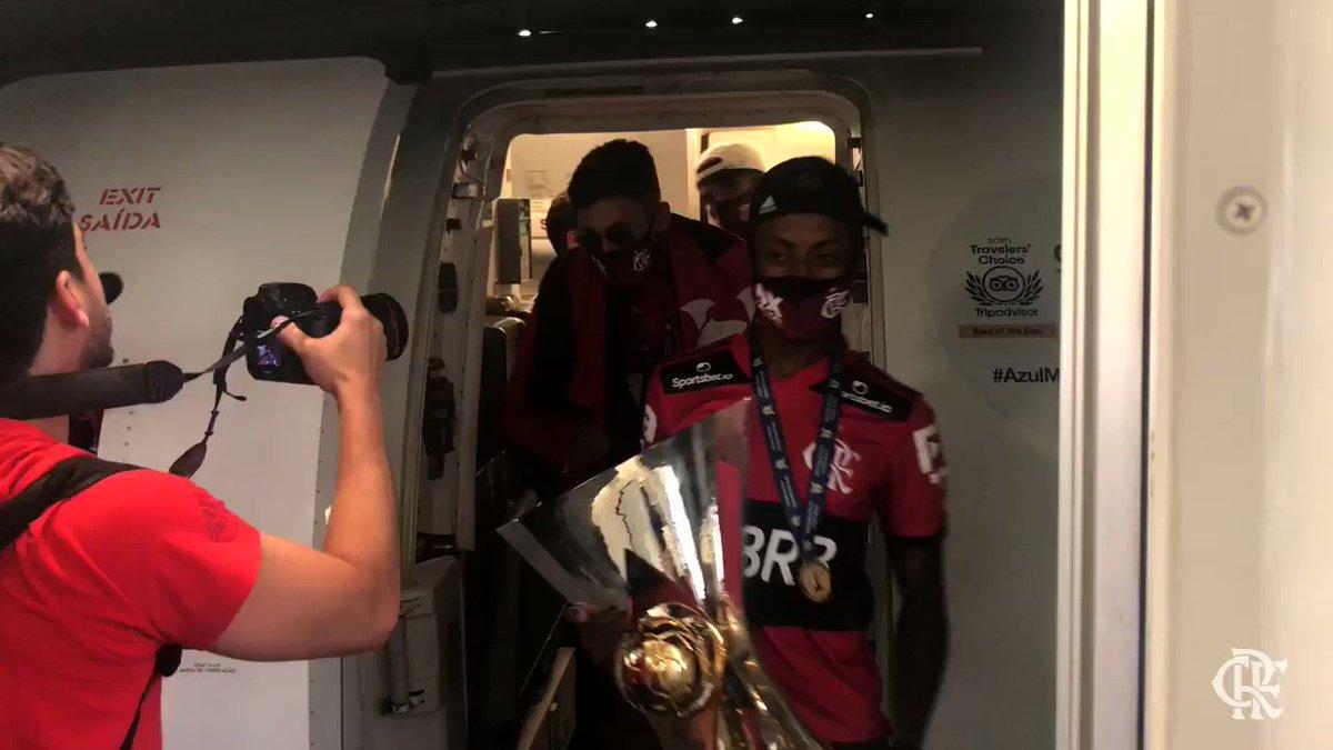 Replying to @Flamengo: Bom dia só pra quem é BICAMPEÃO BRASILEIRO! #OitoPatamar
