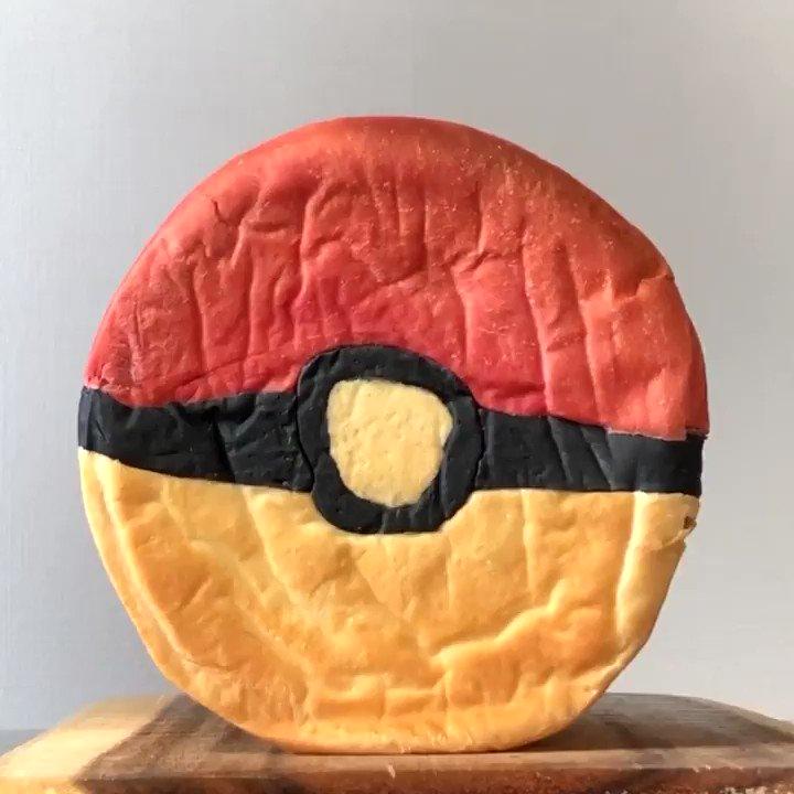 今日はポケモンの日 ポケモンのパンを焼きました😸  #今日はポケモンデー #pokemon  #ポケモン  #ポケモン25周年 #ニャース  #pokemonday