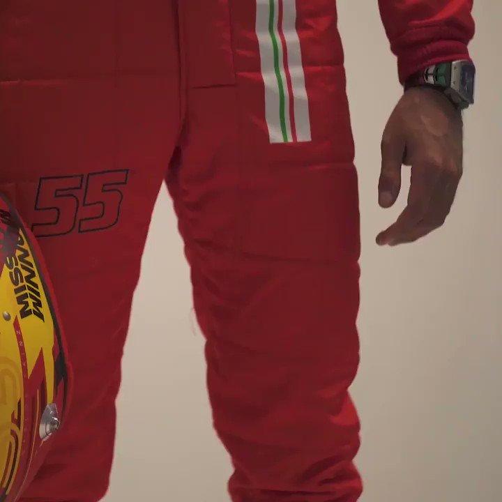 Behind the scenes with the Ferrari boys 😎  📽️ x @ScuderiaFerrari  #F1 @Carlossainz55 @Charles_Leclerc https://t.co/DVNpLl95pQ
