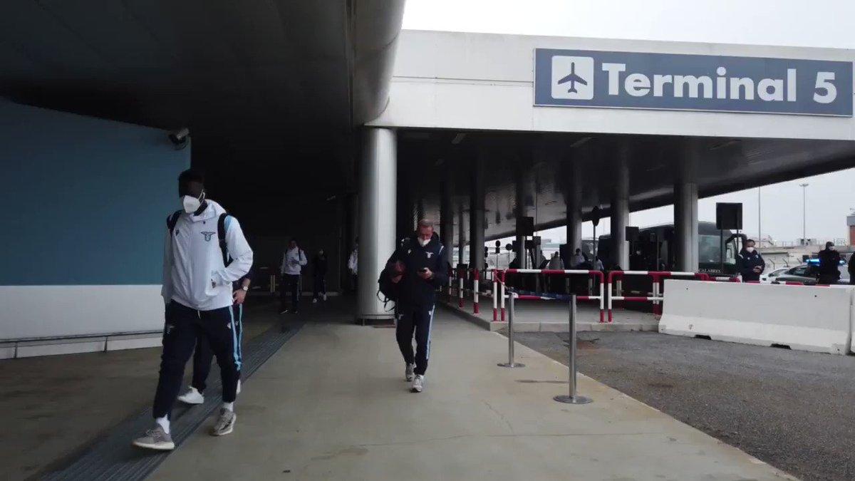 ✈️ Pronti al decollo!  #BolognaLazio #CMonEagles 🦅 https://t.co/Qx7AaxC8SM