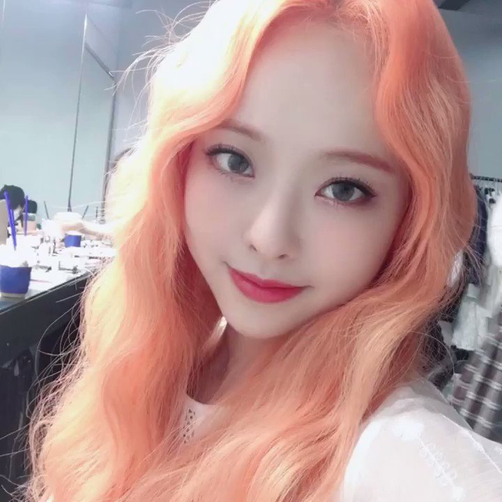 @WatersOnAir Hey Alex can you play #LOONA_STAR by @loonatheworld