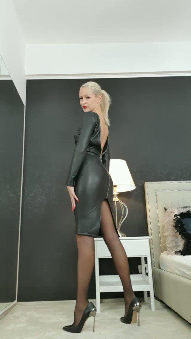 Model - Annelyce Hoisery