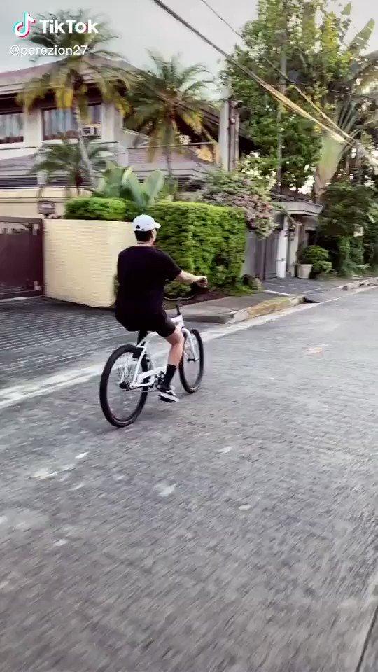 omg nag bike sila🥺🧡
