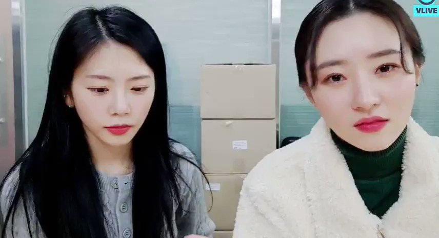Sua said that if Jiu start practicing guitar again she will ask Jiu to play this  Jiu : i am still newbie, cannot play that well XD