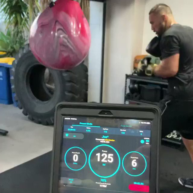 Tell me you trained for that without telling me you trained for that, @joeboxerparker.   Congrats champ. #ParkerFa 📹 stingfitnessnz